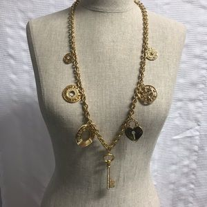 Givenchy vintage exquisite charm necklace!